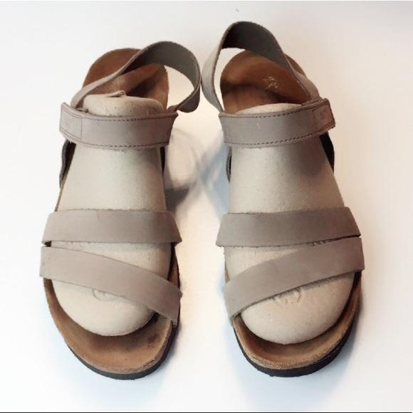 b9527f2de290 Naot Kayla Wedge Leather Sandals. M 5b960a2af63eea87cea8fcf0
